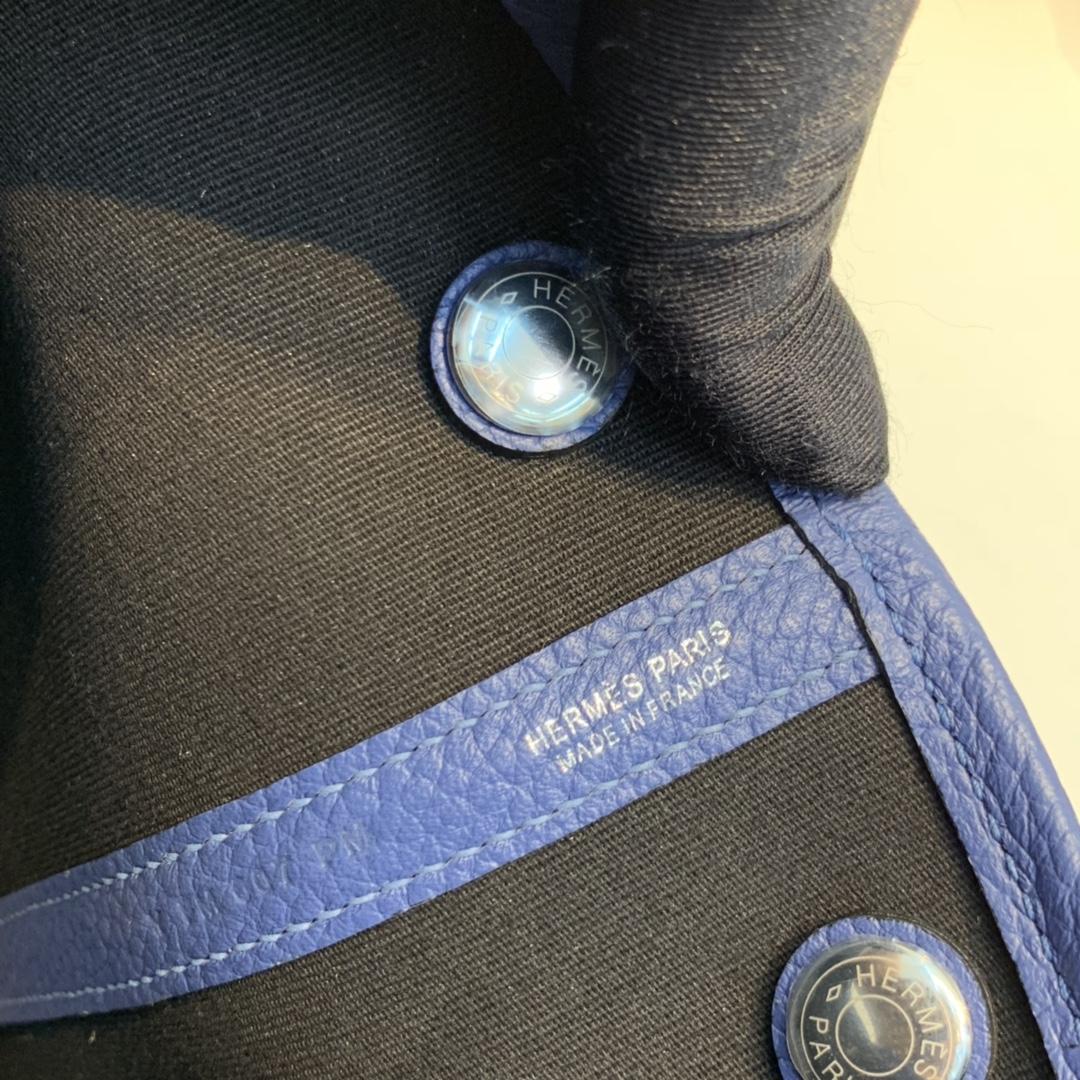 爱马仕 Gerdenparty花园包 30  黑色帆布拼明蓝  银扣   正品开版!