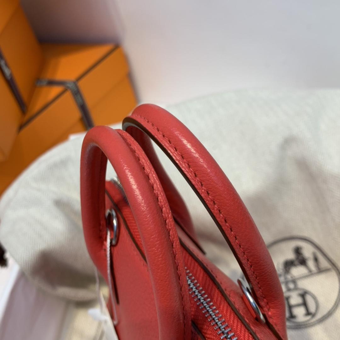 爱马仕 mini bolide   chever皮  E5 玫红 金扣 百看不腻的玫红色  配上金扣高级感一下就出来了