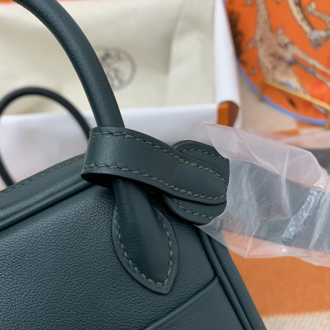 爱马仕 高颜值的 mini Lindy 上身好看又百搭,小小包大容量 正品开版 放心购买 ,在我这里花小钱就可以买到跟ZP一样的品质 swift   60-松柏绿 金扣