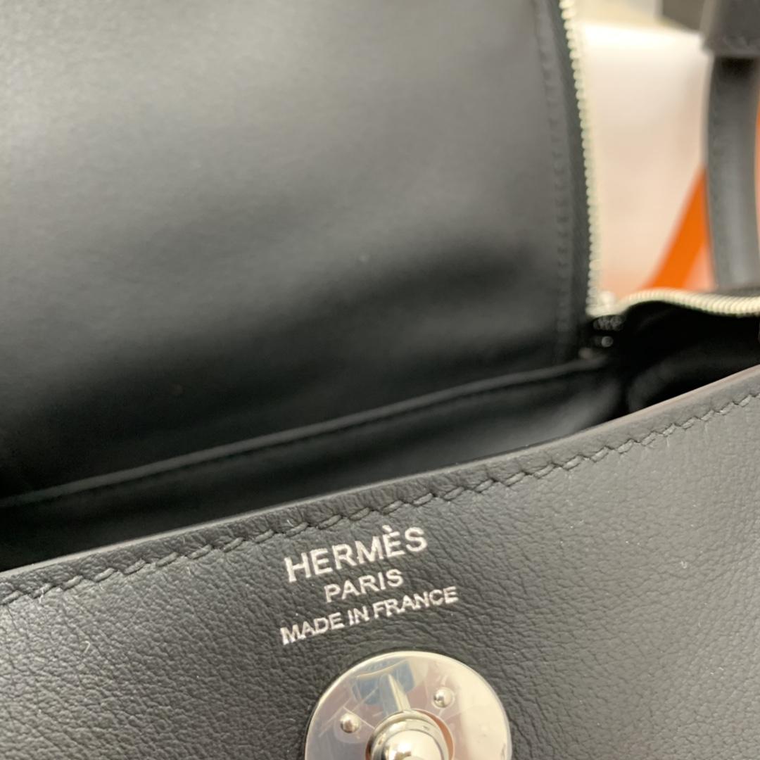 爱马仕 高颜值的 mini Lindy 上身好看又百搭,小小包大容量 正品开版 放心购买 ,在我这里花小钱就可以买到跟ZP一样的品质 swift 89黑色 银扣