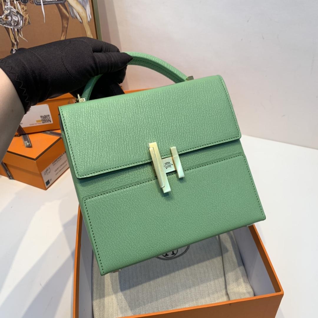 HERMES 爱马仕 cinhetic 18cm 盒子包   chever mysore山羊皮 3i 牛油果绿 金扣