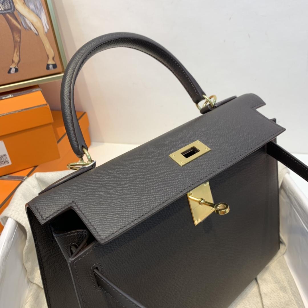 爱马仕 kelly 28cm  原厂epaom皮 46乌木色  似黑色又不似黑色、非常的神秘!