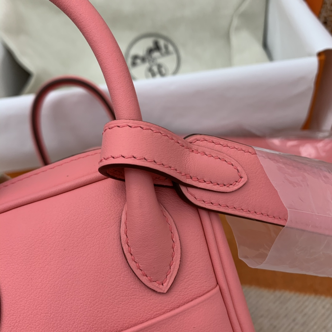 爱马仕 高颜值的 mini Lindy 上身好看又百搭,小小包大容量 正品开版 放心购买 ,在我这里花小钱就可以买到跟ZP一样的品质 swift  K4-夏日玫瑰粉 银扣