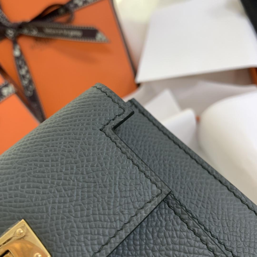 Hermes Kelly pocket 配猪鼻子链子就是一个小包包 完美 63 杏绿 金扣
