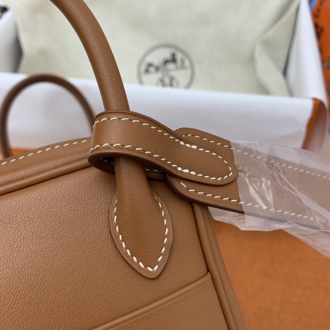 爱马仕 高颜值的 mini Lindy 上身好看又百搭,小小包大容量 正品开版 放心购买 ,在我这里花小钱就可以买到跟ZP一样的品质 swift  37-土黄 金扣