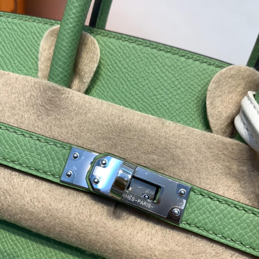 Hermes 外缝birkin 25cm 视觉感要比内缝立体很多 极品都是惊艳的~  原厂epsom皮  3i-牛油果绿 银扣