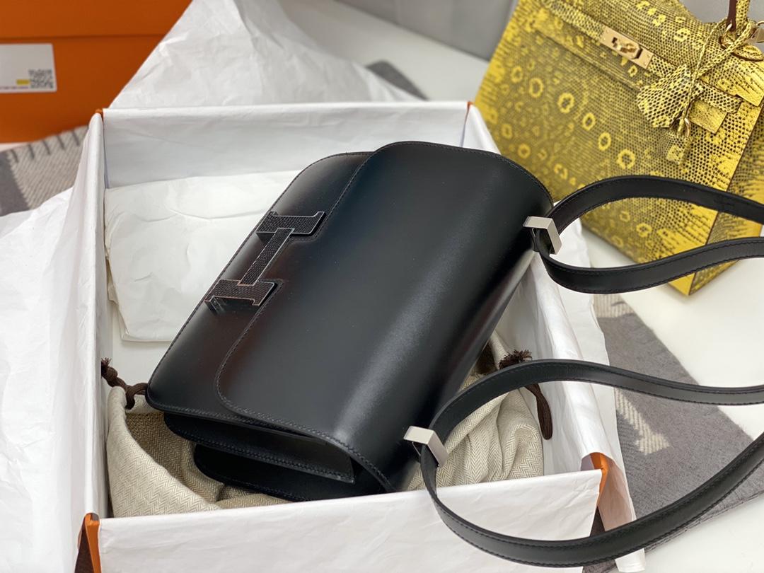 爱马仕 中国香港官网 constance 24cm box皮 光泽超级棒 拼蜥蜴扣超级酷! 89黑色 实用性让人爱不释手的颜色,纠结症懒人患者不知道买啥就买它,永不出错