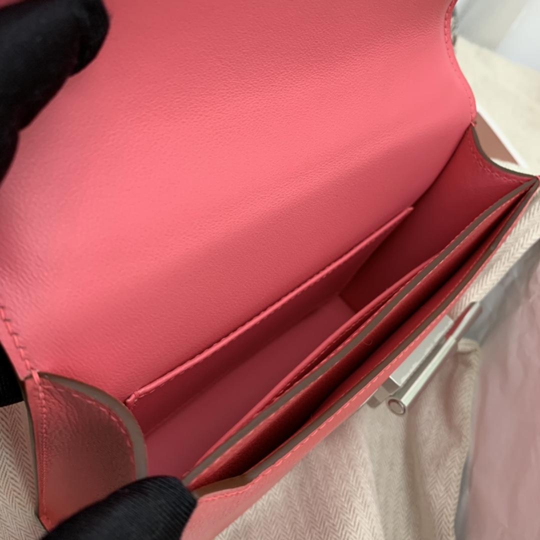 爱马仕 stock~现货 mini verrou 插销包限量款编织织带  chevre mysore山羊皮 8W唇膏粉 超pink、少女粉!