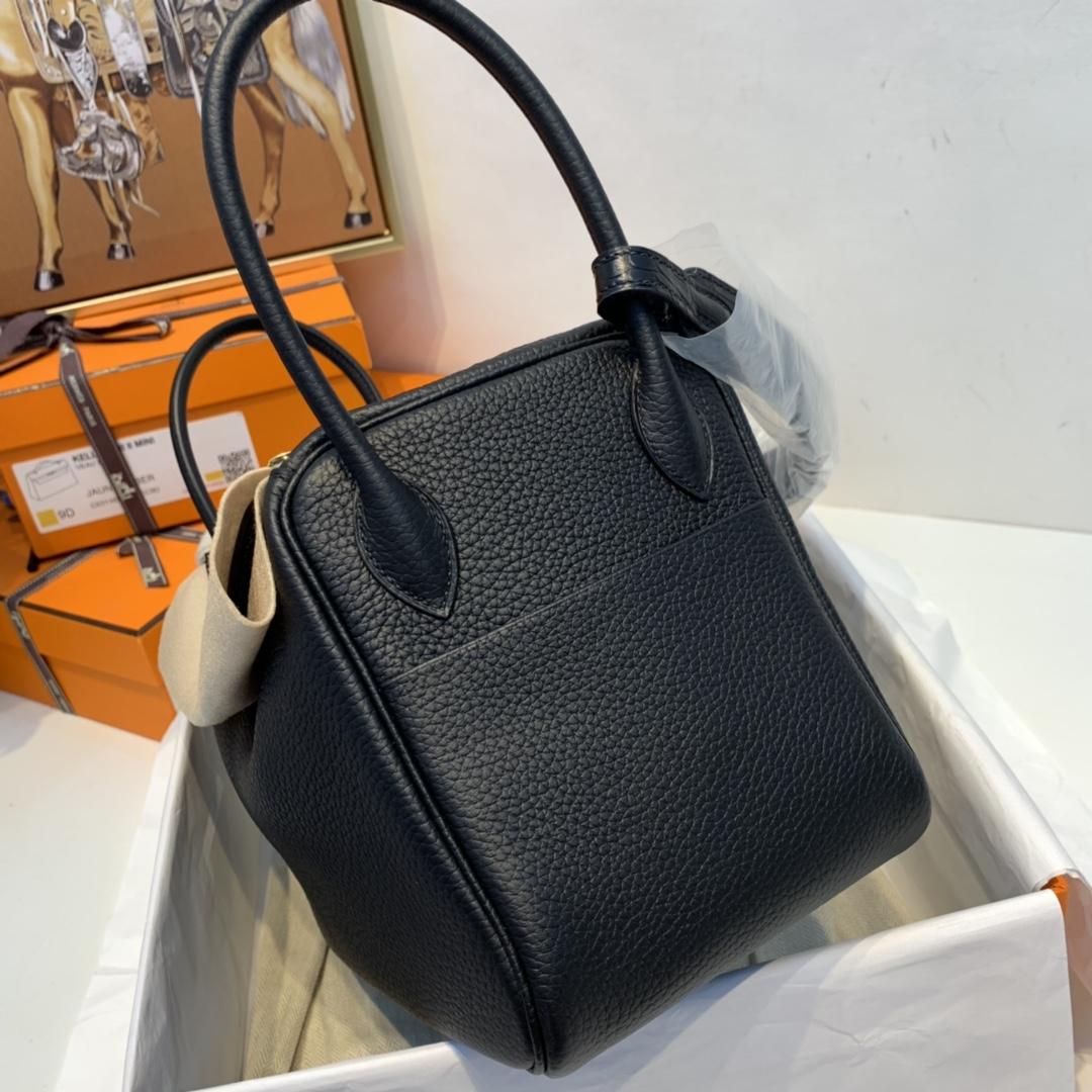 Hermes Lindy Touch 26cm 三大主力里、更适合女性佩带  89黑色 金扣 最百搭的颜色
