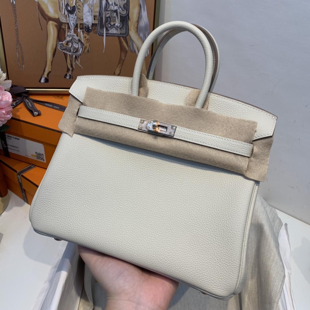香港爱马仕 订单 birkin 25cm 原厂togo皮 10奶昔白玫瑰金 干干净净的色 是一种素雅而静谧的美~