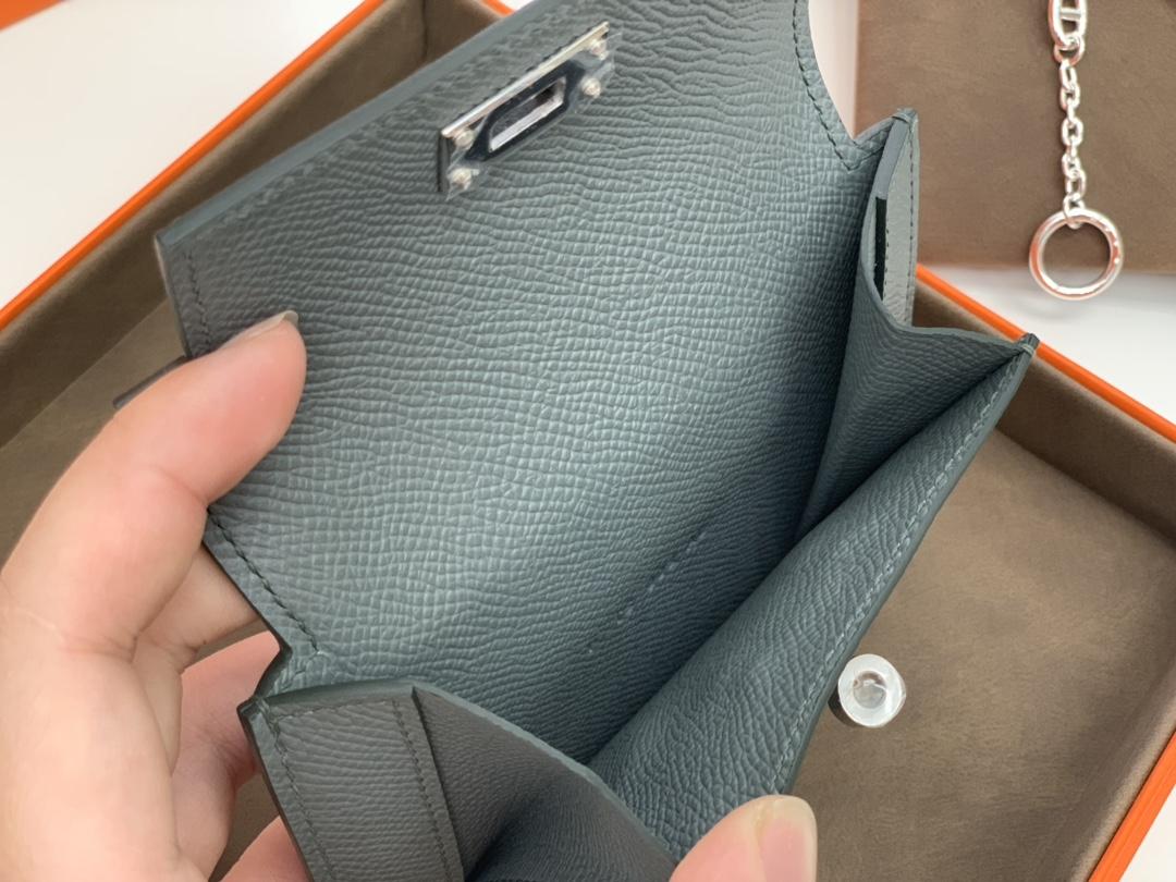 爱马仕 中国香港官网 Kelly pocket  epsom皮 63杏绿 银 万能百搭猪鼻子链子 一套更好看呢