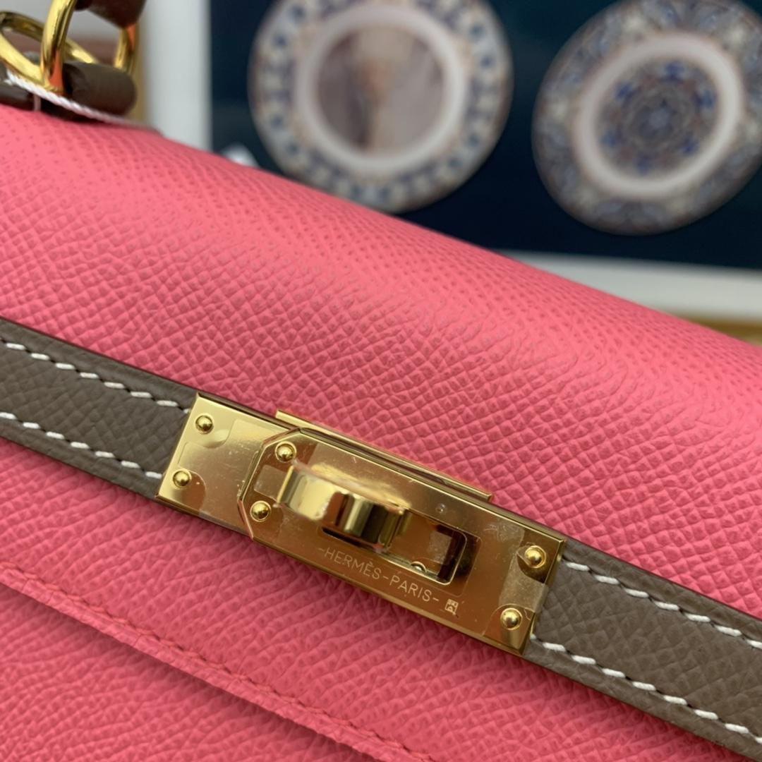 爱马仕官网 新到现货 Kelly 25 Epsom 清新的色彩搭配总是让人感觉很好 8W-唇膏粉拼大象灰 金扣