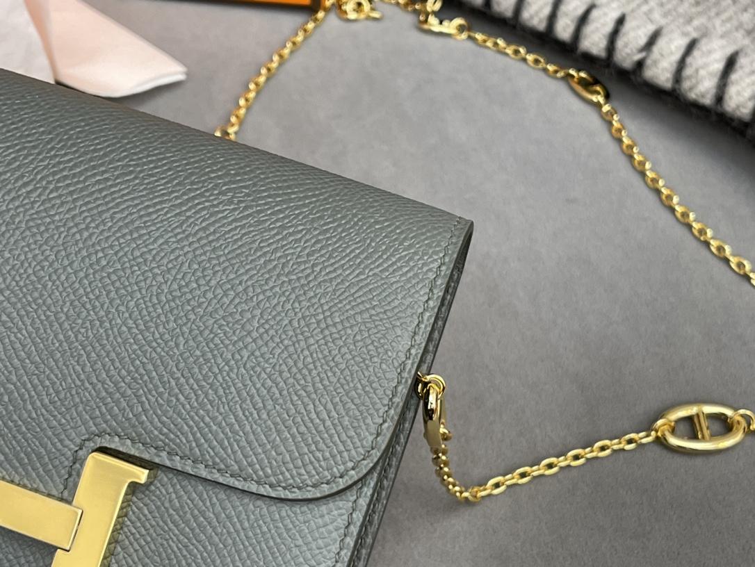 HERMES Constance compact 腰包 钱包背后做成了可以穿过腰带或皮带的皮搭 出街更方便了 Epsom  63杏绿 vert Criquet 金扣 正品开版