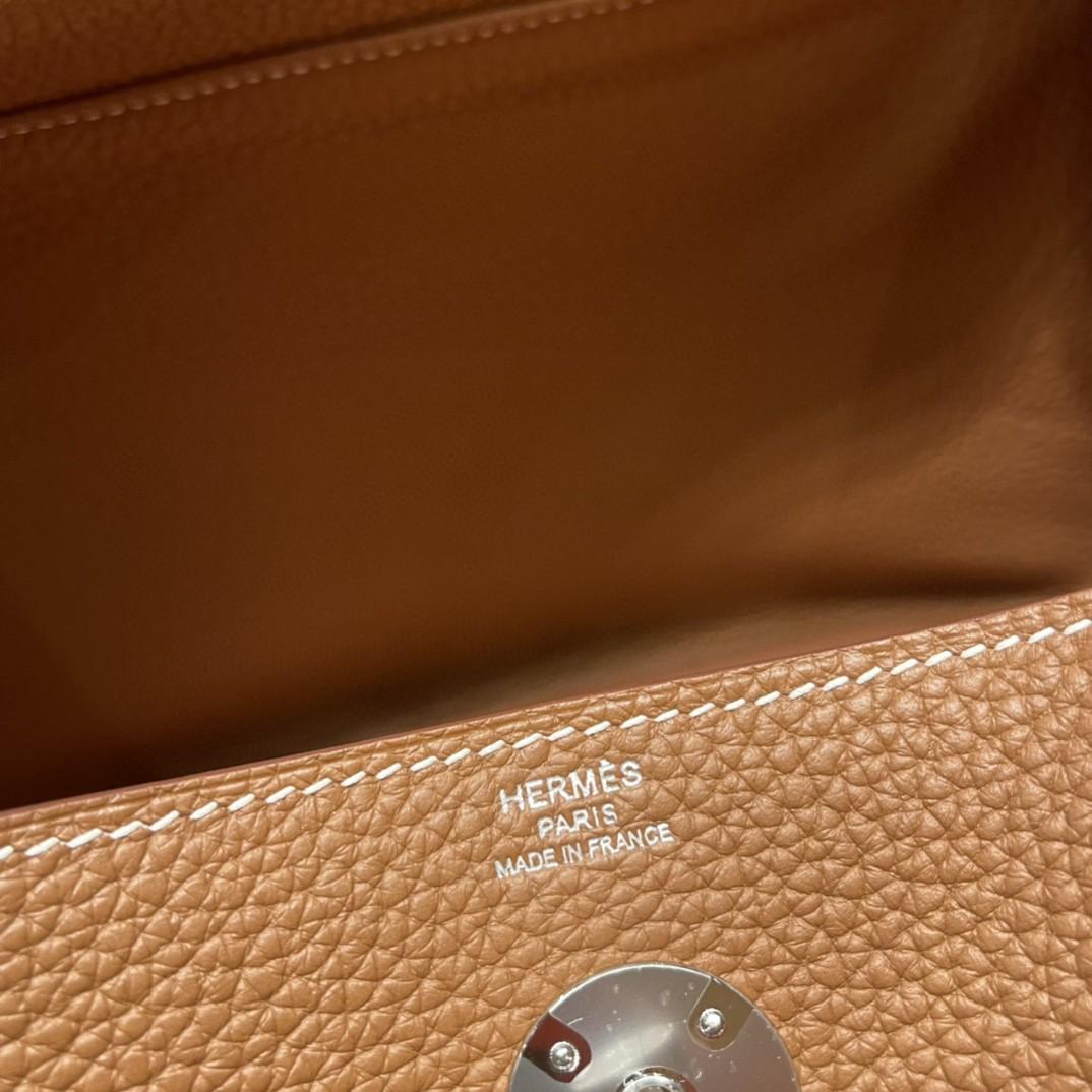 爱马仕 26Lindy 大容量包包,通勤又日常 Clemence 皮  37 金棕银扣