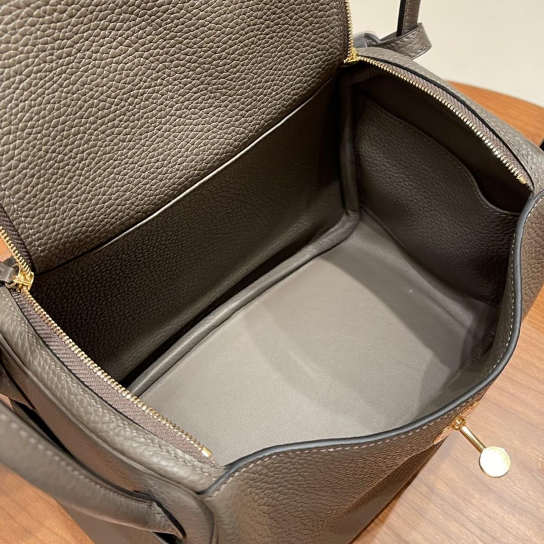 爱马仕 26Lindy 大容量包包,通勤又日常 Clemence 皮  8F 锡器灰 金扣