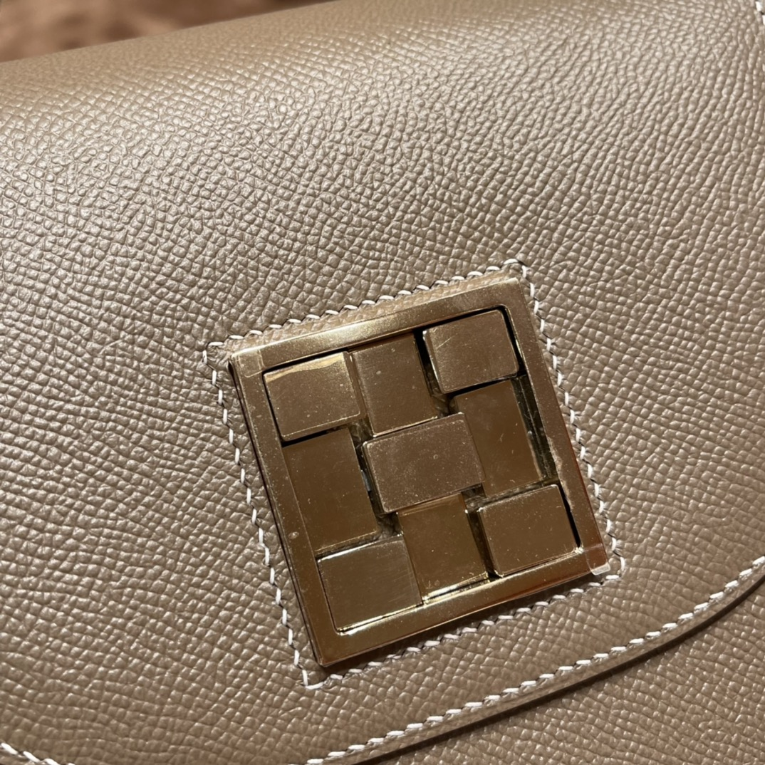 HERMES 17马赛克 Mosaique 特别的五金扣 有种解锁的即视感  低调又神秘 Epsom 皮 18 大象灰 淡金扣