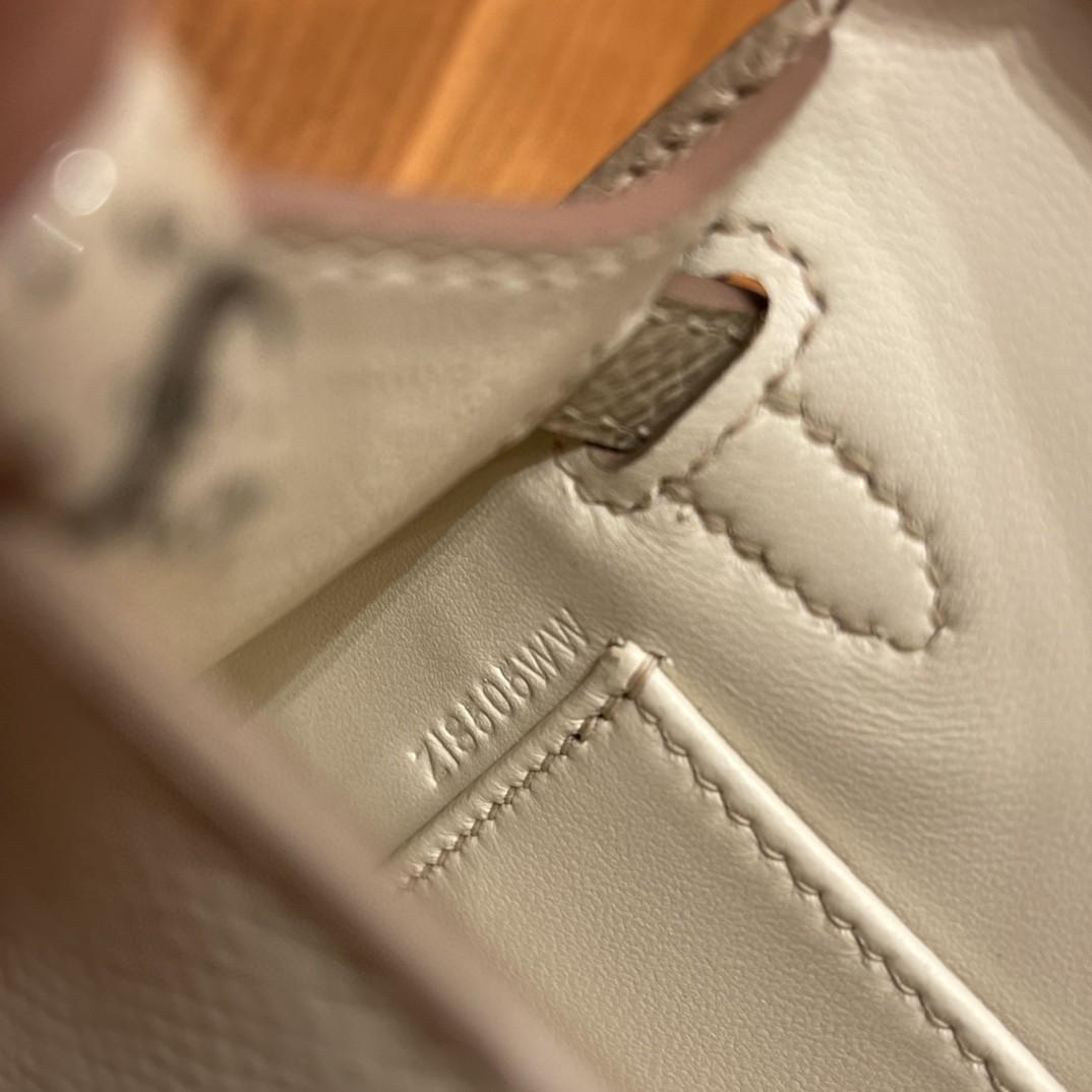 爱马仕 New stock  Mini Kelly 二代 SO 特别精致小巧,热销度 Epsom 皮 10 奶昔白拼S2 风衣灰 金扣,超百搭