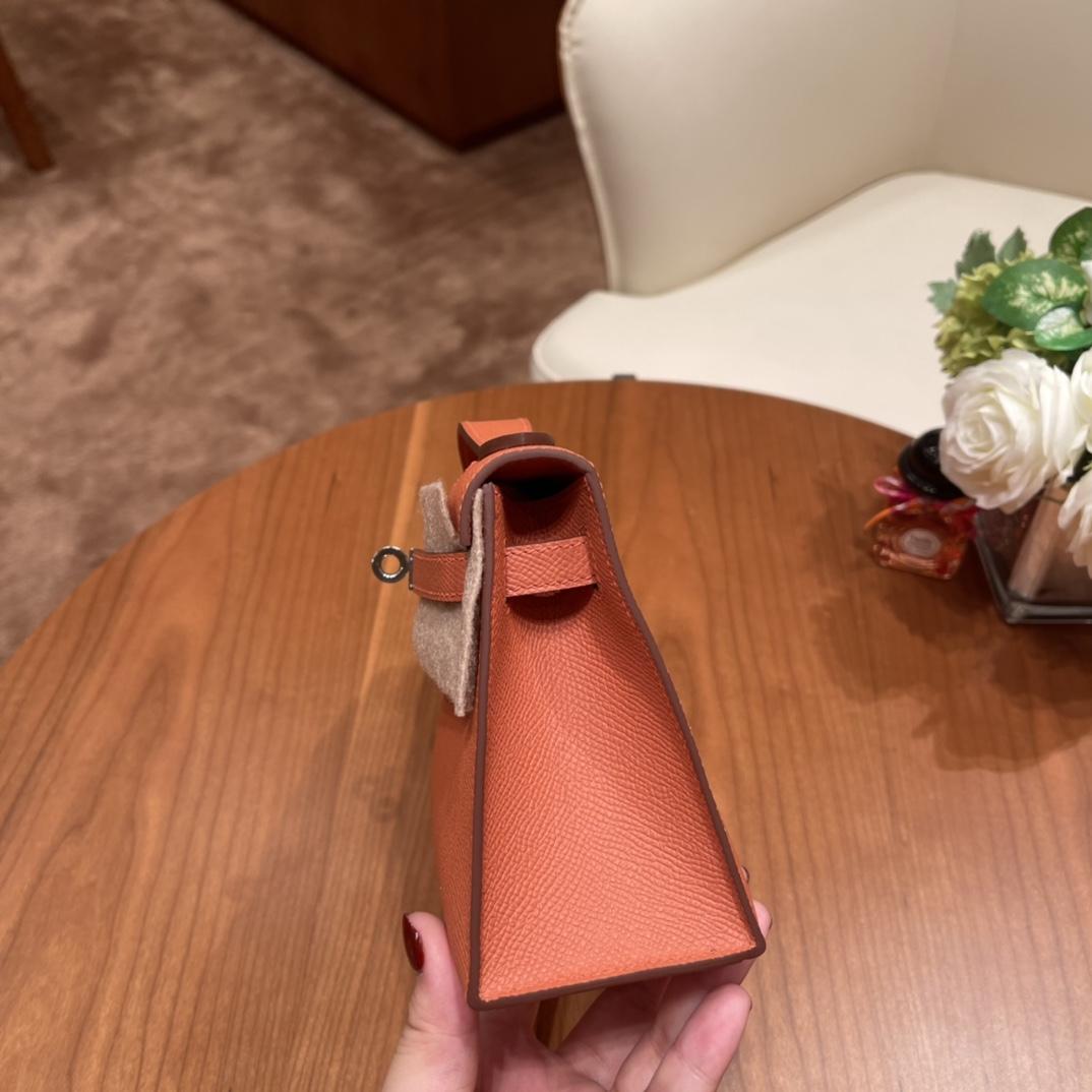 Hermes 香港爱马仕官网 Kelly pochette 一代手拿包 容量感人 满足日常出门所需~ Epsom 皮 3L 玫瑰粉 银扣
