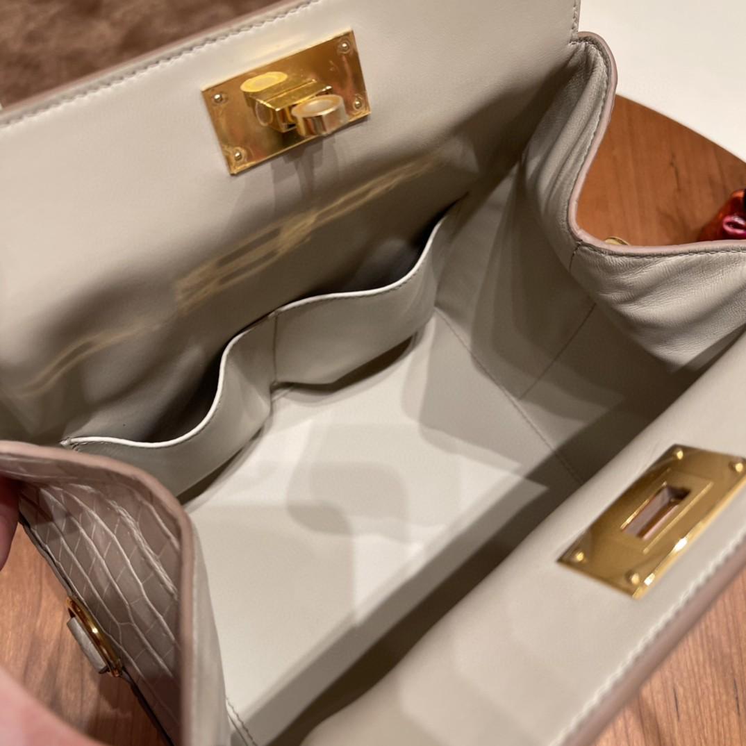 HERMES 20 toolbox 牛奶盒 简单方便  巨能装  尼罗鳄鱼 8L 冰川白 金扣 正品开版 入柜无压力