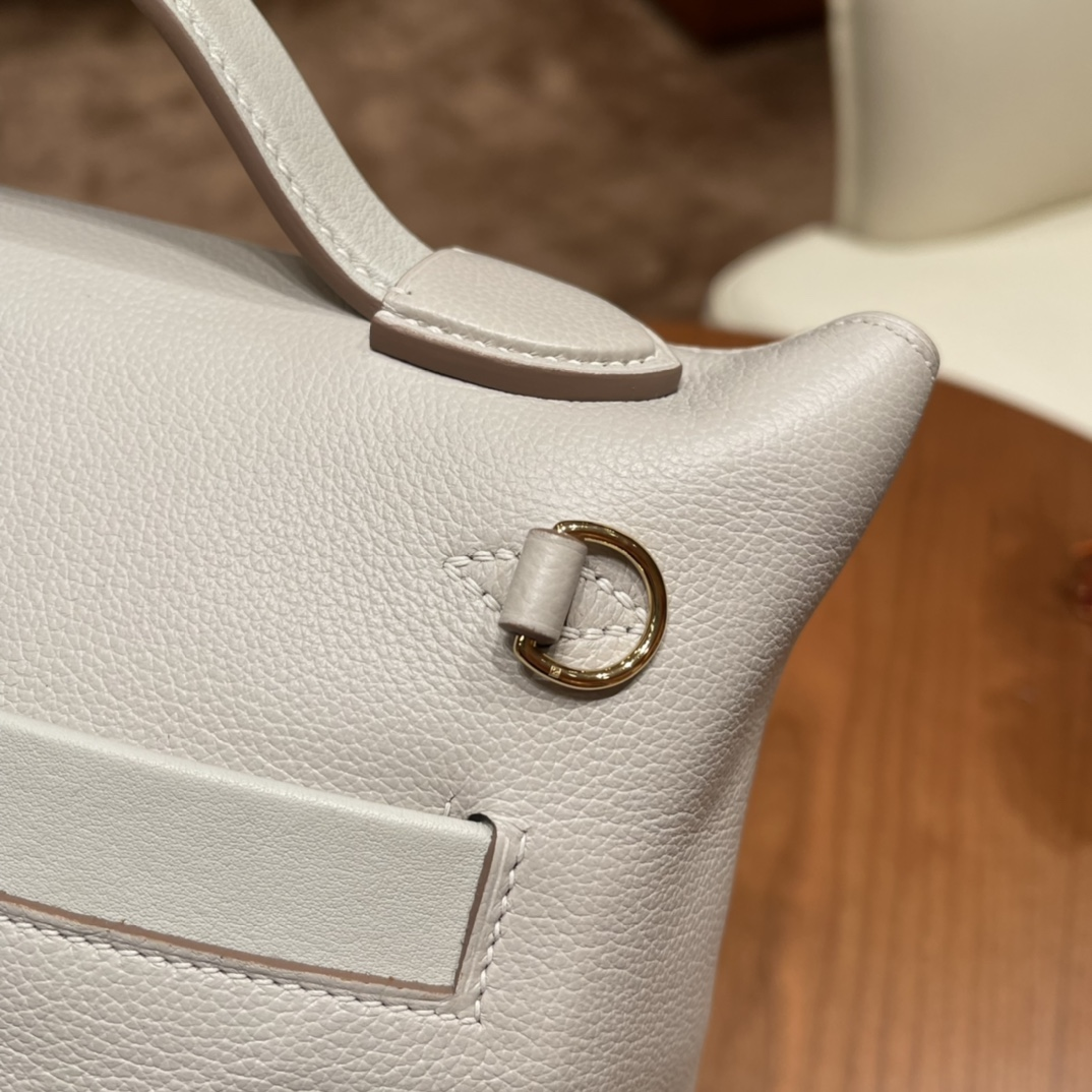 HERMES 爱马仕 mini 24-24 多用法 evercolor 跟swift 的结合 皮质柔软 容量可观 80 珍珠灰金扣