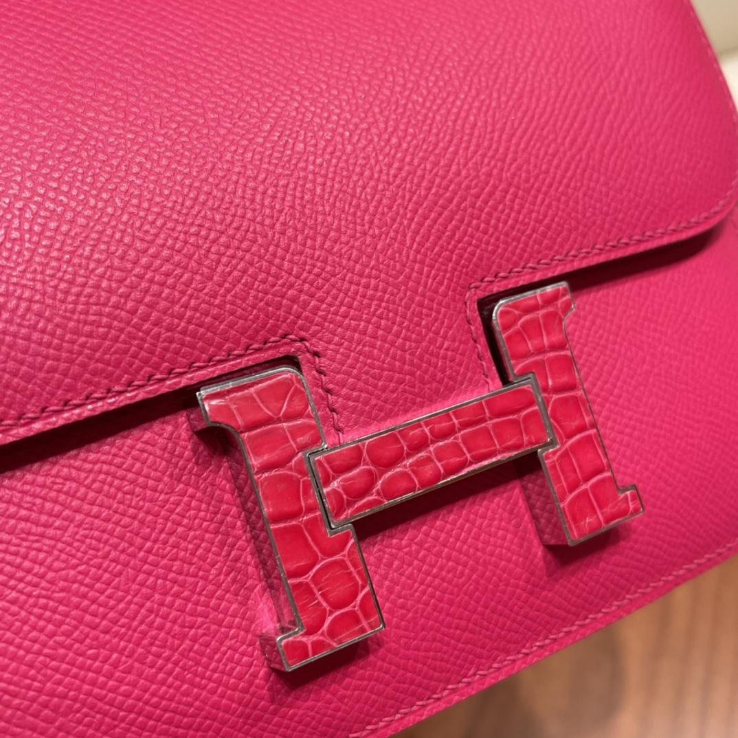 HERMES Constance 19 cm Epsom 皮 0D墨西哥粉 用于小包实在是太美了,加鳄鱼皮扣