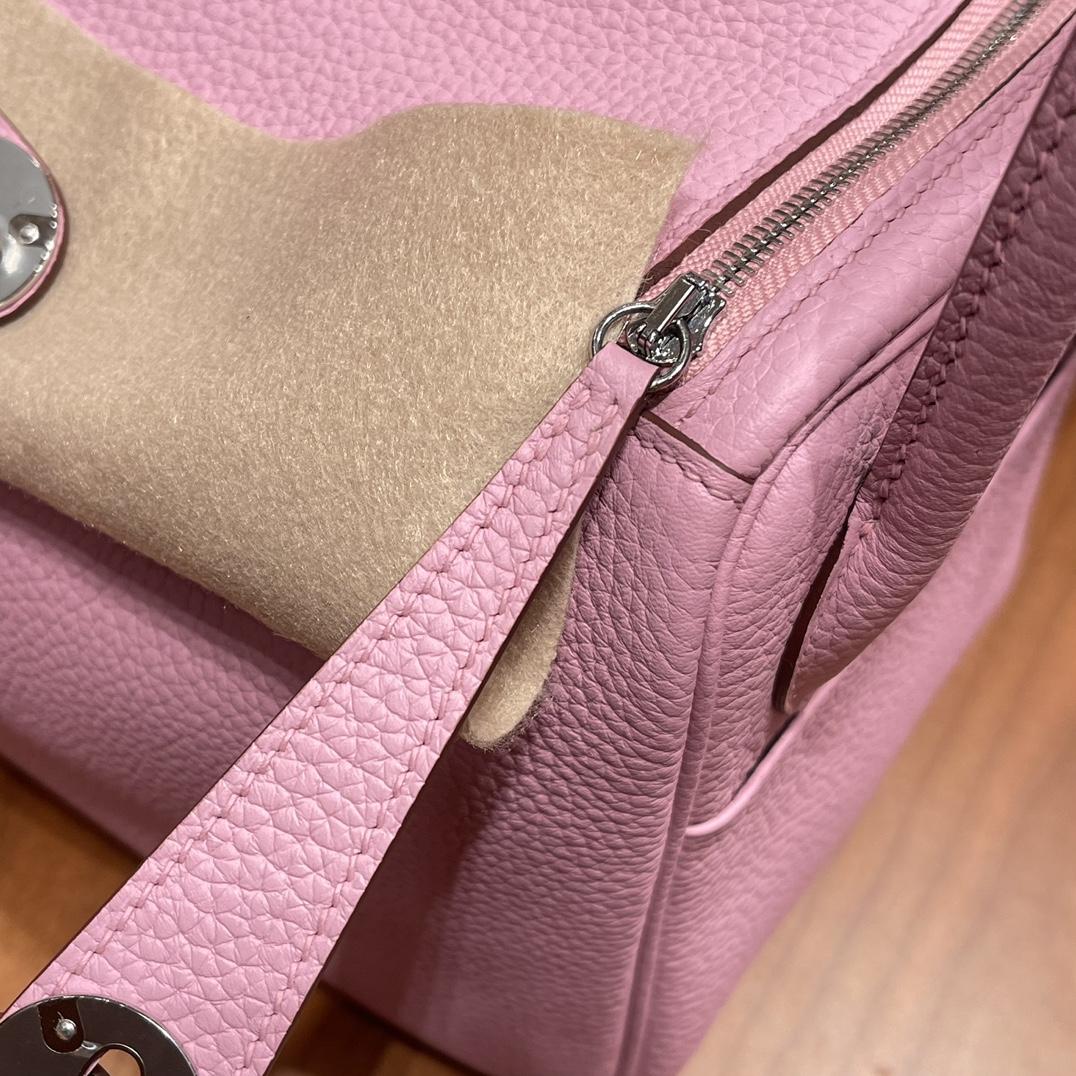 爱马仕官网 香港代购 26Lindy 大容量包包,通勤又日常 Clemence 皮  x9 锦葵紫银扣